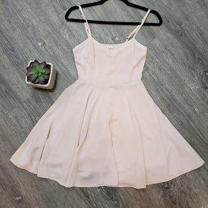 Talula Aritzia * Lipinski Dress * Baby Pink Sz 0